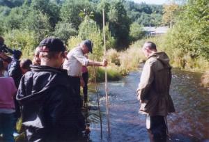Школьники исследуют реку Войтоловку