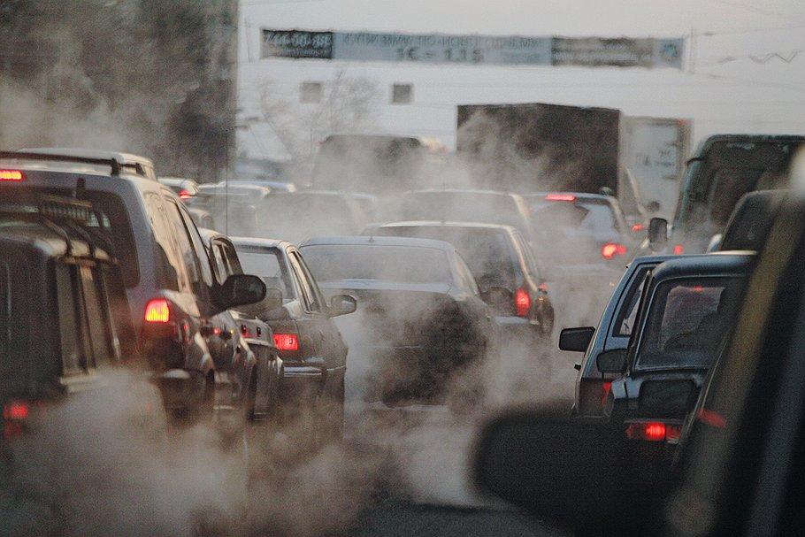 Опрос: 81% жителей столицы  считают, что модернизация МНПЗ сделает лучше  экологию города
